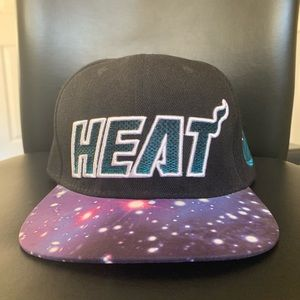 Miami Heat Mitchell & Ness Galaxy Snapback